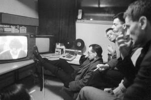 Poslušanje obsodbe, 1987, foto: Tone Stojko, hrani Muzej novejše zgodovine Slovenije